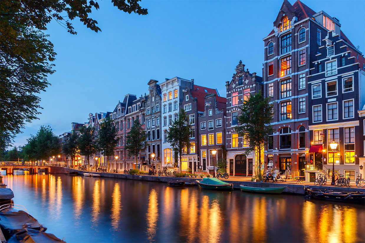 6 Reasons to give Damn about AMSTERDAM A City on Bicycle