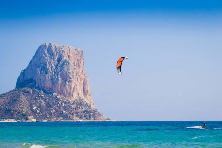 kite_surfer_calpe_spain_1000w