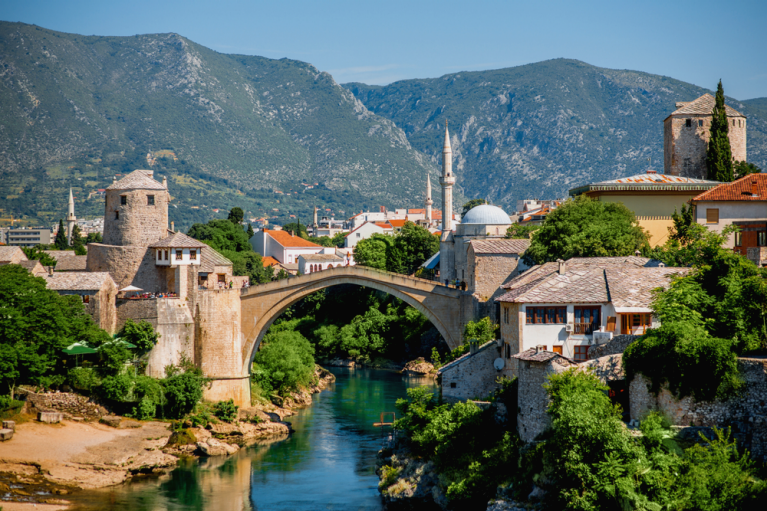 old bridge mostar neretva river bosnia herzegovina