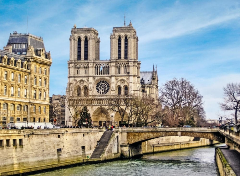 The Notre Dame and Seine river