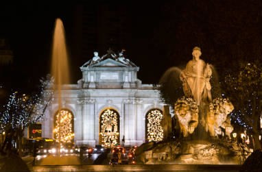 Cibeles fountain and Alcala gate at night