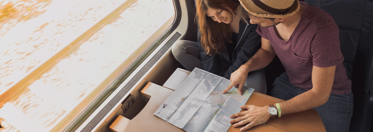 masthead-map-in-train-couple-travelling