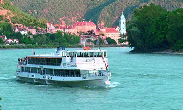 danube-sightseeing-cruise-brandner-shipping