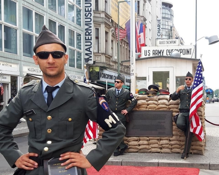 heather-byatt-germany-berlin-checkpoint-charlie