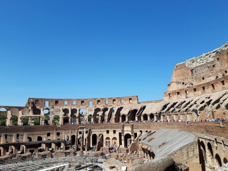 heather-byatt-italy-rome-colosseum